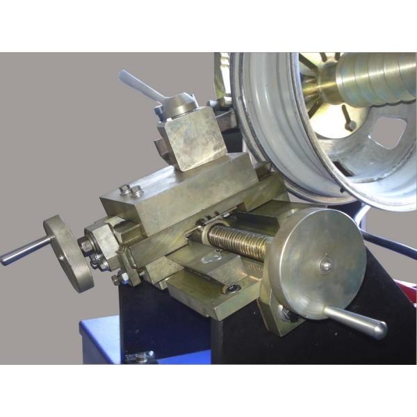 Дископравильный станок с ручной гидравликой, с резцом и электроприводом вала - Lotus VS 4/2