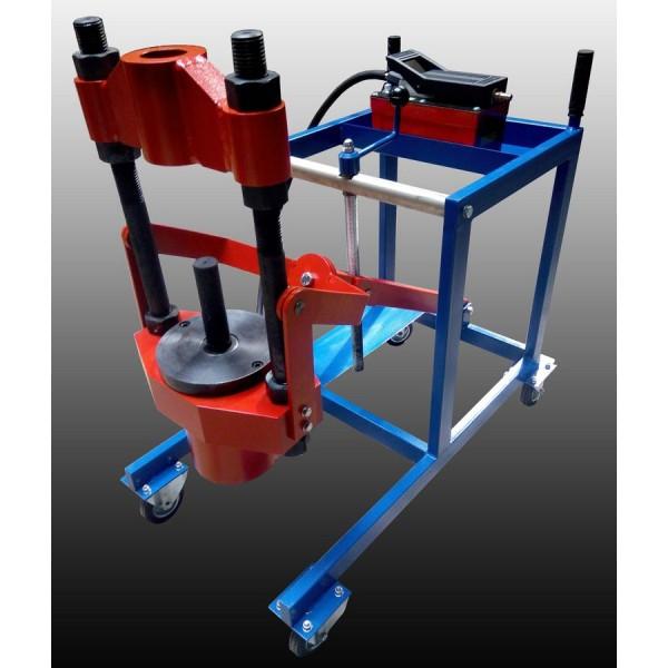 Устройство выпресовки шкворней, сайлентблоков, втулок, пальцев и других деталей грузовой техники. ПШ-100. Усилие 100т